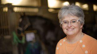 Reitlehrerin Sibylle Wiemer kennt die Sorgen von Reiterinnen, die zu dick sind oder sich dick fühlen. Foto-Copyright: Wiemer