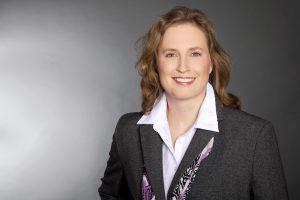 Tierärztin Dr. Kathrin Irgang aus Berlin ist auf die Ernährungsberatung bei Pferden spezialisiert. Foto-Copyright: Irgang